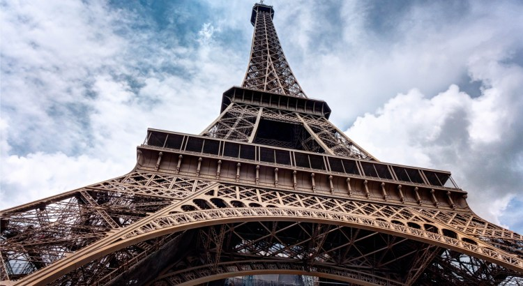 Eiffel-Tower-pexels-photo-149522-1