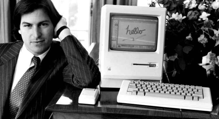 steve-jobs-apple-macintosh-1